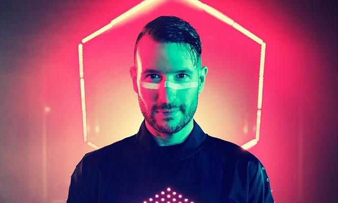 Trots: klanten in de DJ top 100!